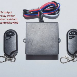 Remote 12V-30A on/off switch with 2 fobs.